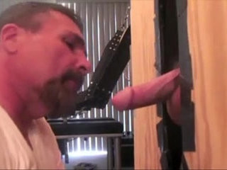 Gloryhole daddy sucking his duo to the cum